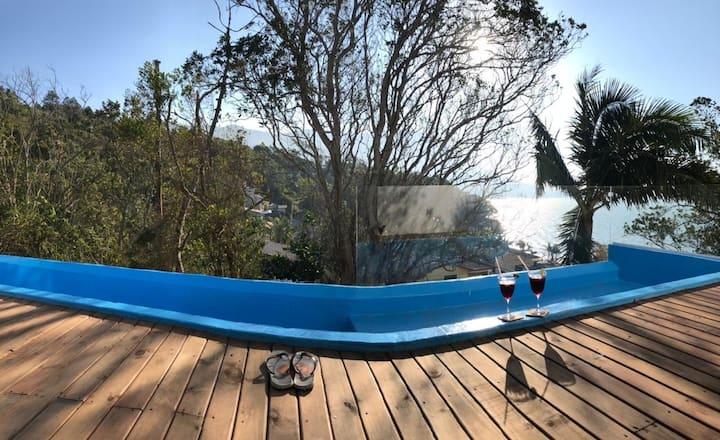 Casa paradisíaca c/ vista para o mar
