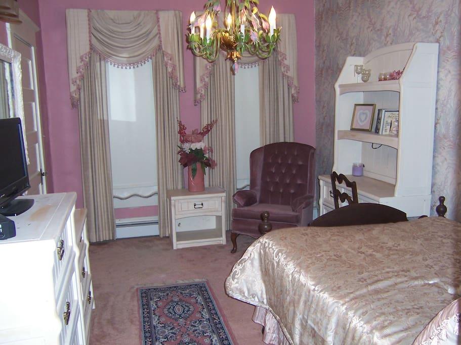 Beautiful Victorian Room