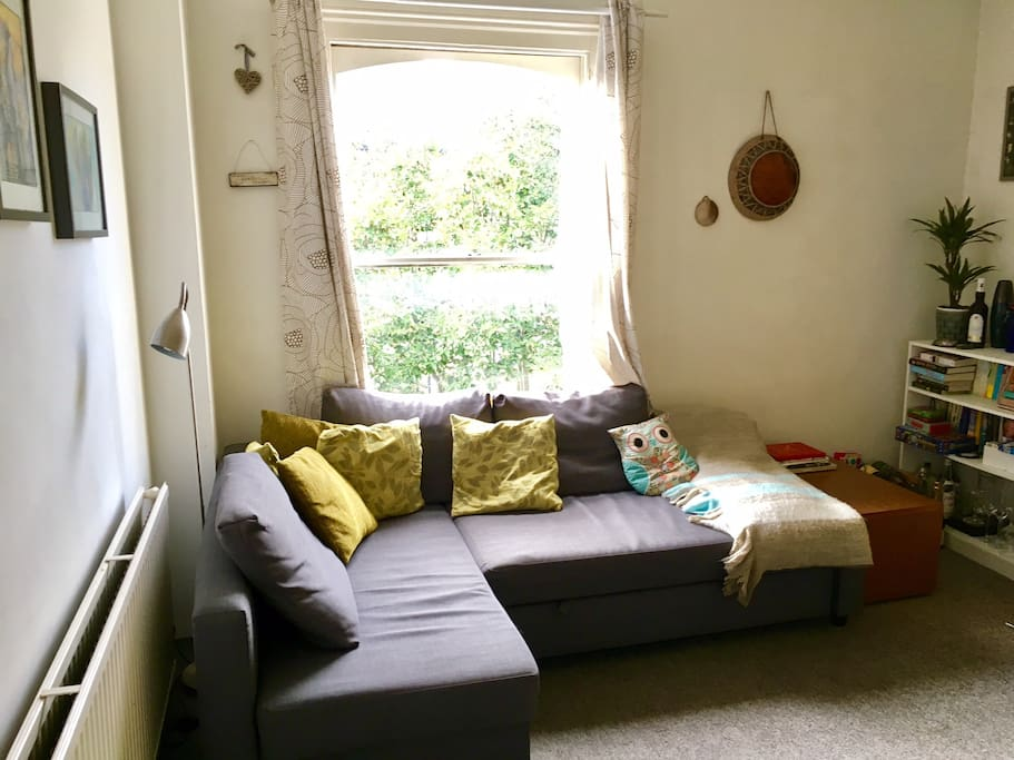 Comfy corner sofa, can be pulled out
