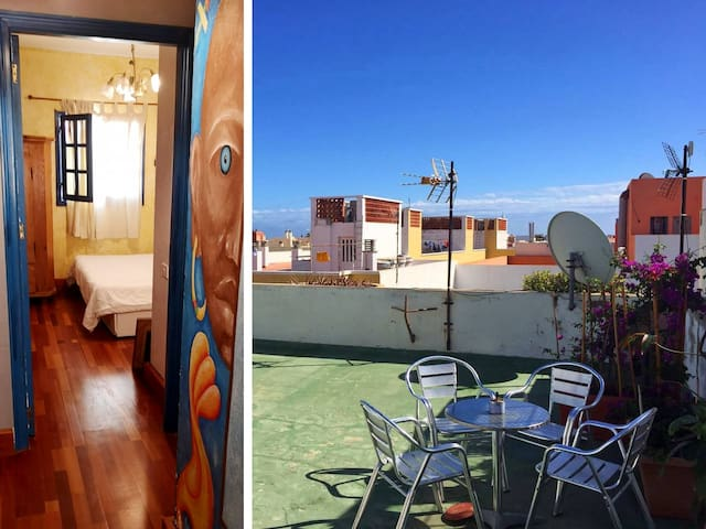 Room en Corralejo Center, nice Roof Terrace!