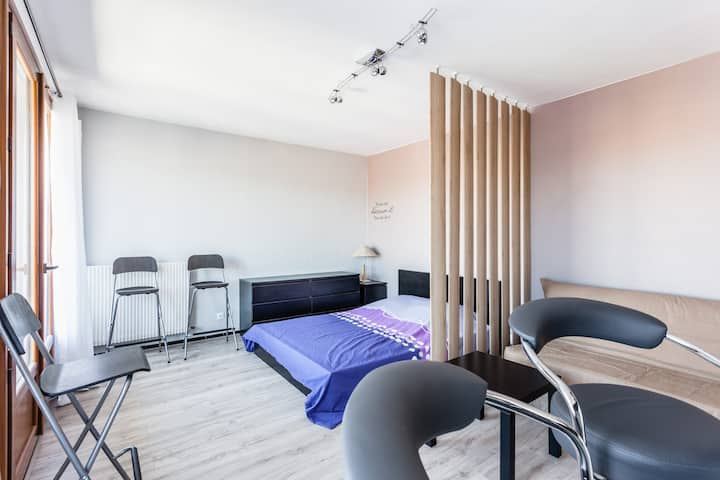Studio cosy + Terrasse + parking gratuit