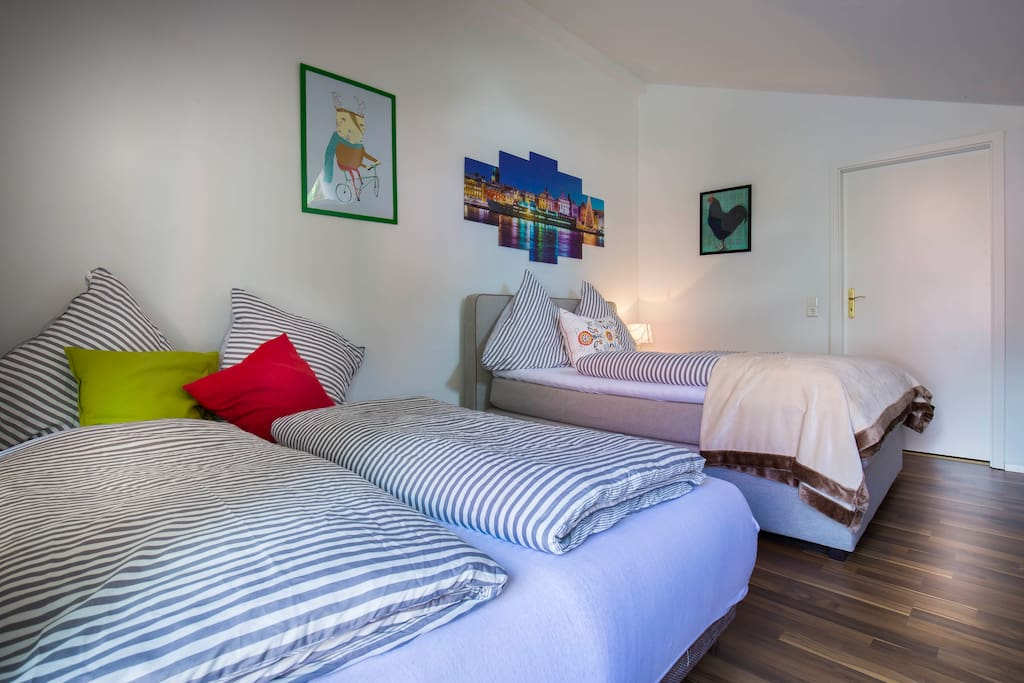 Schlafzimmer: Doppelbett & Schlafsofa