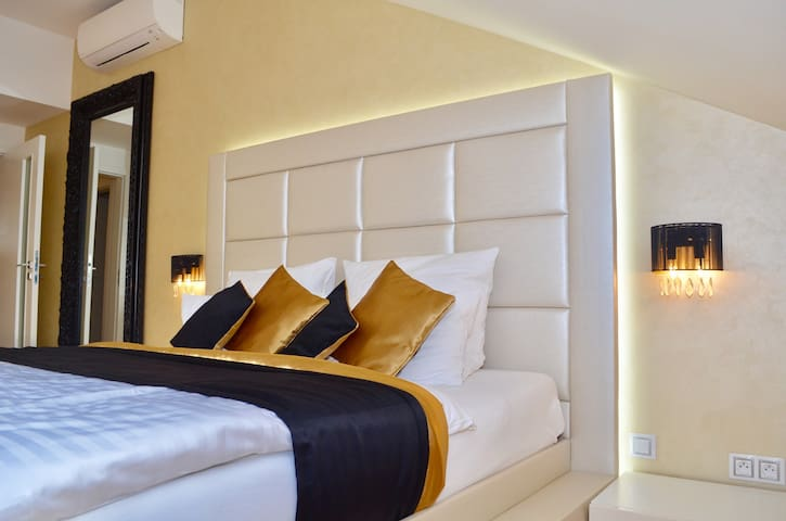 Luxury apartment by all Prague highlights