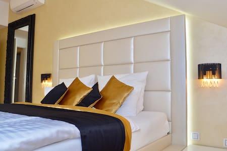 Luxury apartment by all Prague highlights - Praga