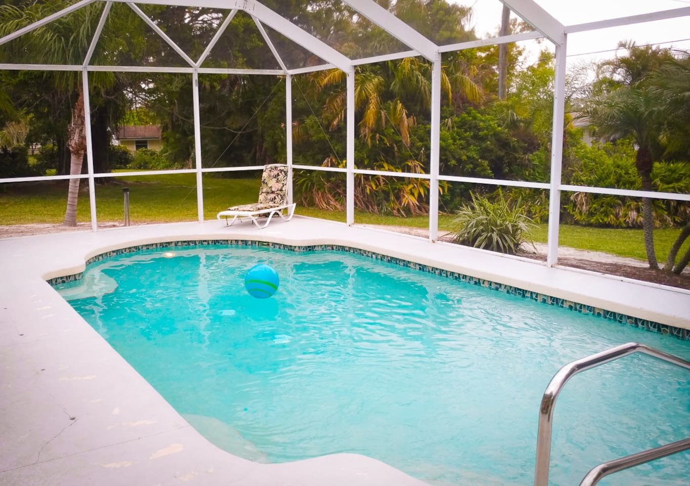 Private, screened pool, with peek-a-boo view of intercostal.