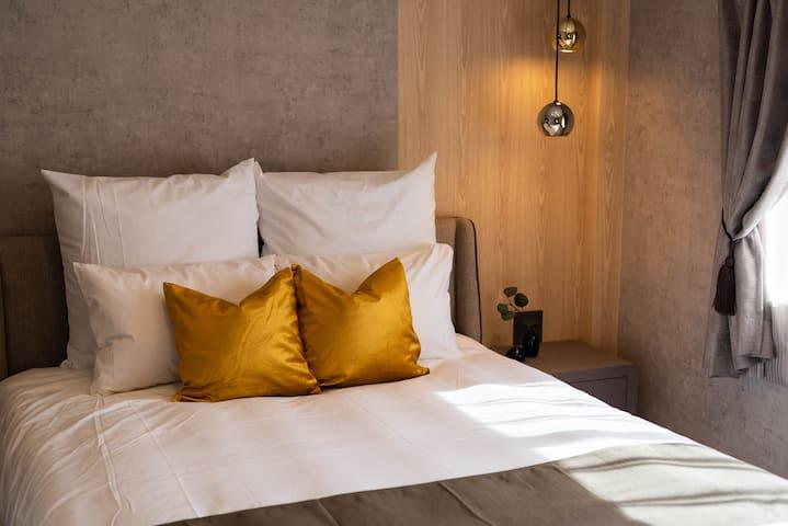 3F : Bedroom(1 double bed).