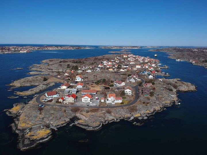 Välkommen till Kalvsund - Syrenernas Ö