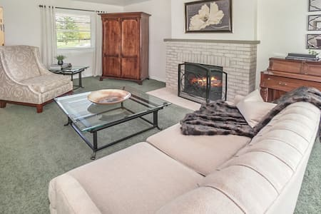 Mid-Century Home - 2 Miles from Downtown