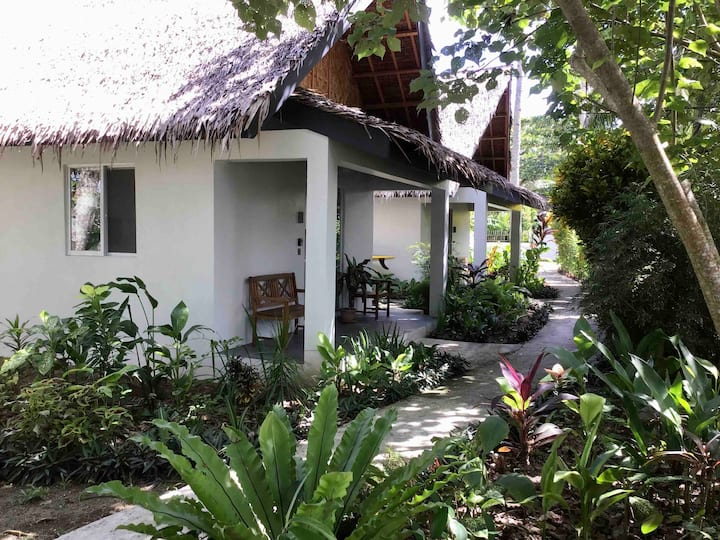 Pawikan Siargao - On Sunset Bay Villa 3, 4 guests