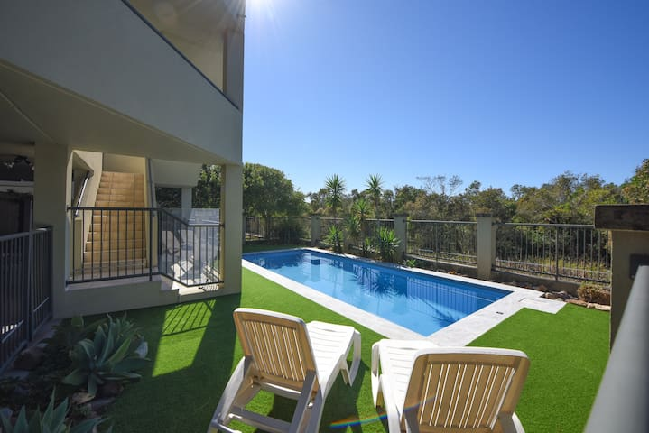 Beachfront Apartment with New Pool in Peregian