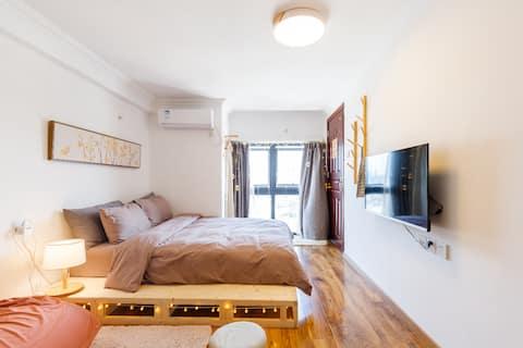 顺德大良INNmuji风日式高层公寓双人房F2,清晖园华盖步行街,华侨城欢乐海岸,凤城食都,免费停车