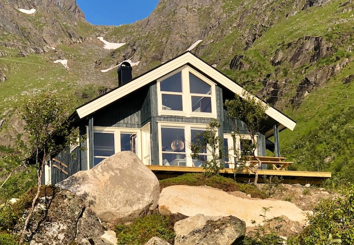 NEW HYTTE: fantastic panoramic view in Laupstad