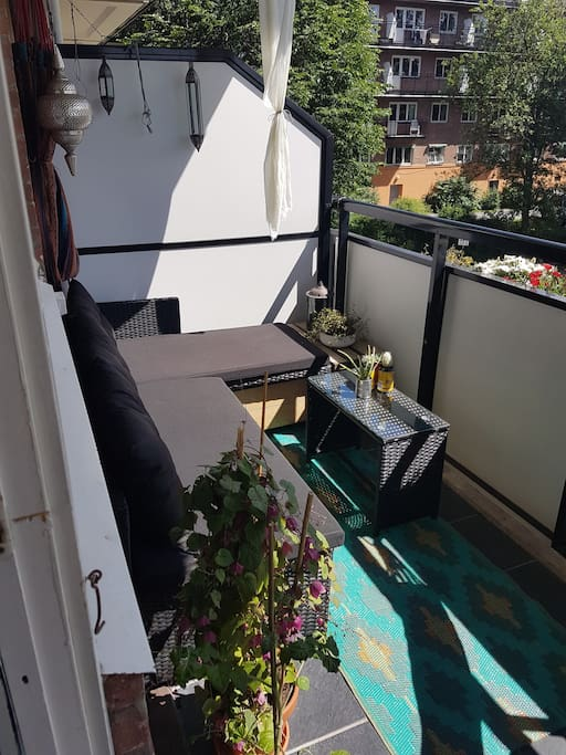 Oslo`s best balcony!  sunbath from sunrise to afternoon.