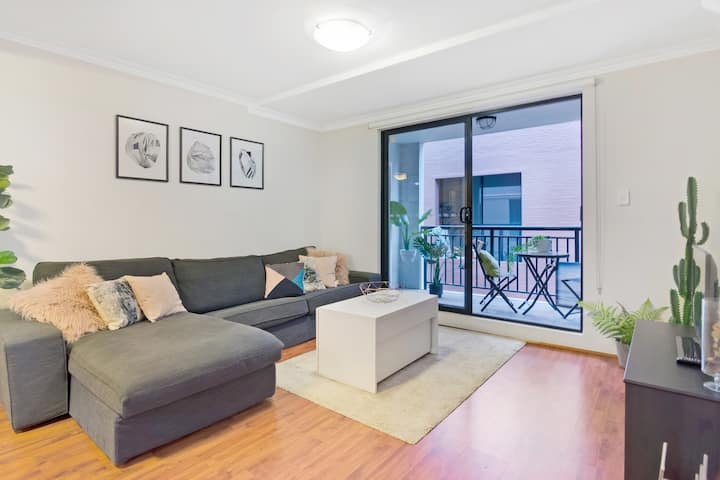 ☆Modern, cozy home at great inner-city location ☆