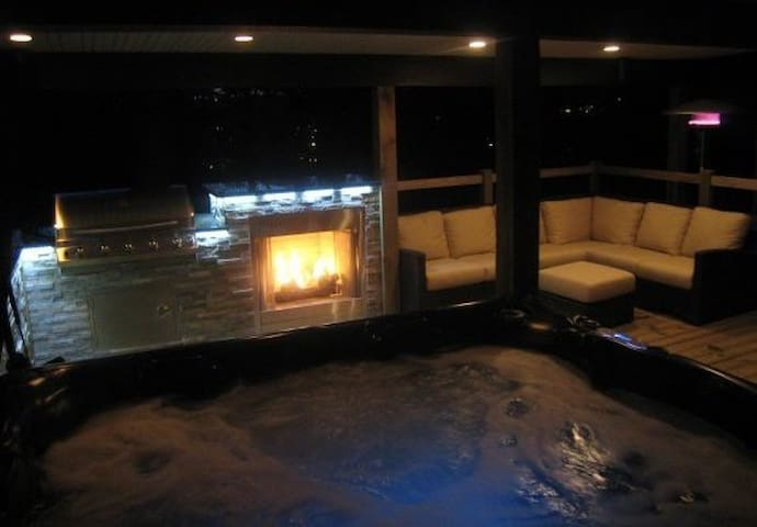 Private Suite with Amazing Outdoor Living Space!