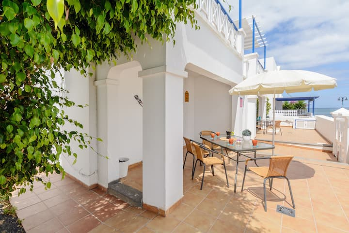 Charming Apartment Close to Beach with Terrace, Wi-Fi & Gorgeous Views