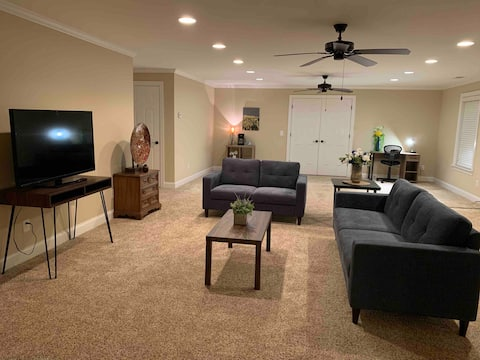 Luxurious Affordable entire suite Atanlta