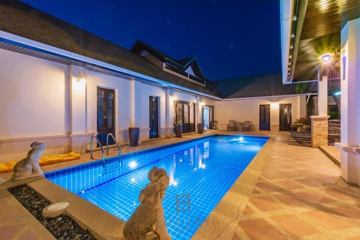 4 bedroom private bali style villa