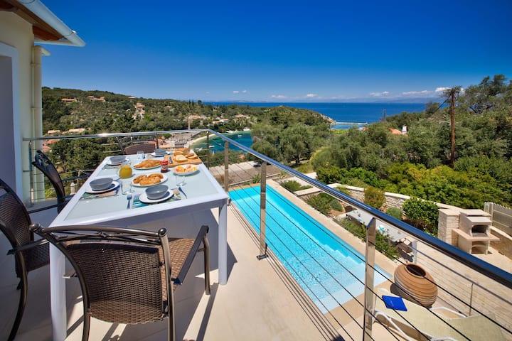 Loggos Retreat, a luxury villa with infinity pool