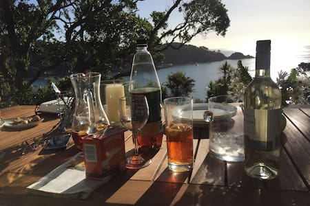 Awesome View Cottage - Great Barrier Island