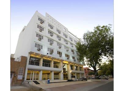 Exclusive Budget Hotel Room in Sardarpura, Jodhpur