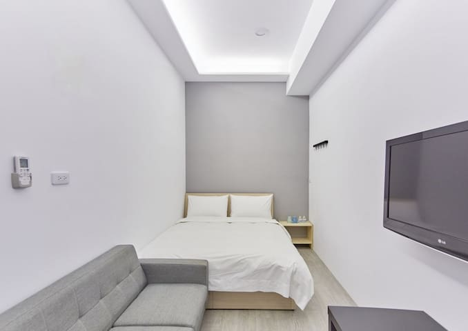 Fengjia 台中逢甲 精緻雙人房,獨立衛浴,離夜市僅0.1km