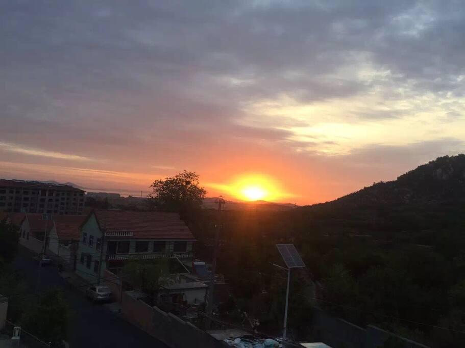 早晨阳台看日出