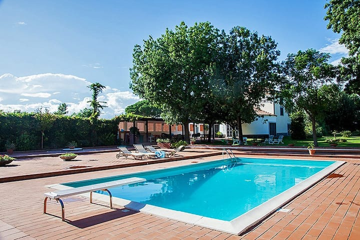 VILLA APOSTOLICO · Villa with private pool, 16 guests, tennis court