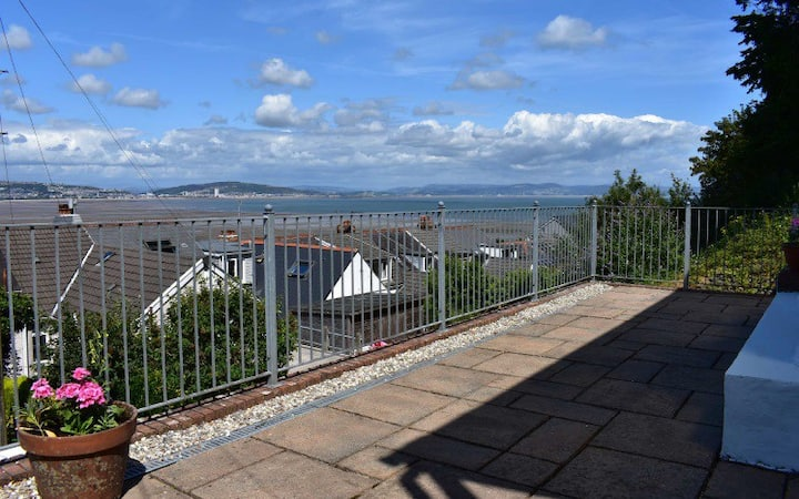 Broadview Lane 2 bed outstanding views of the Bay