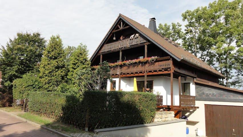 Appartement im Schwarzwaldhaus - Ebersbach - House