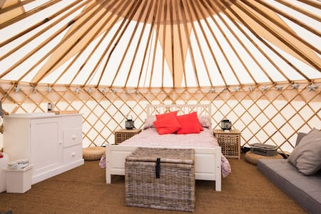 Luxury Yurt at Chafford Park - Fordcombe