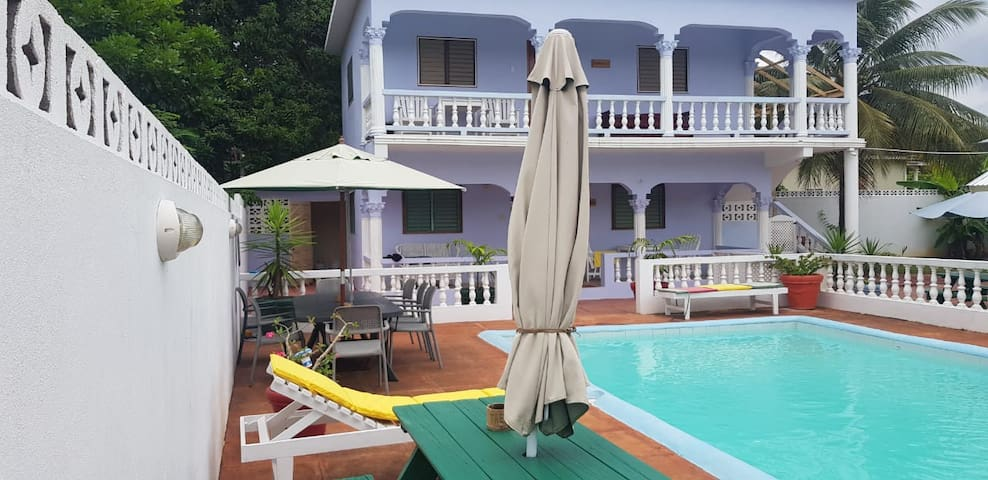 Pimento Studio Apartment - Ocho Rios- Pool- Wi-Fi