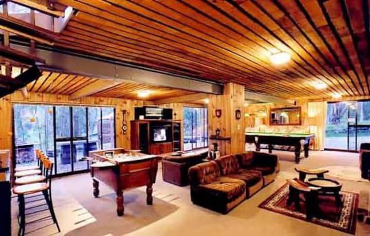 Rudawe Lodge with FREE Lake Eildon boat cruise