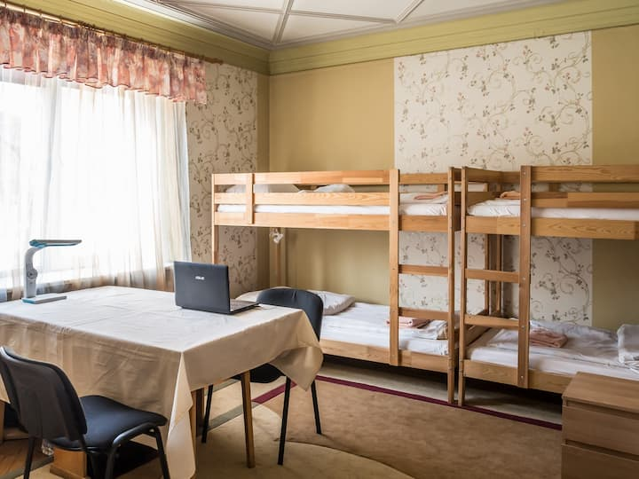 8 Место в общем номере на 8 человек, Хостел Актеон