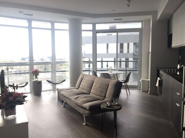 Luxury Condo Shops at Don Mills