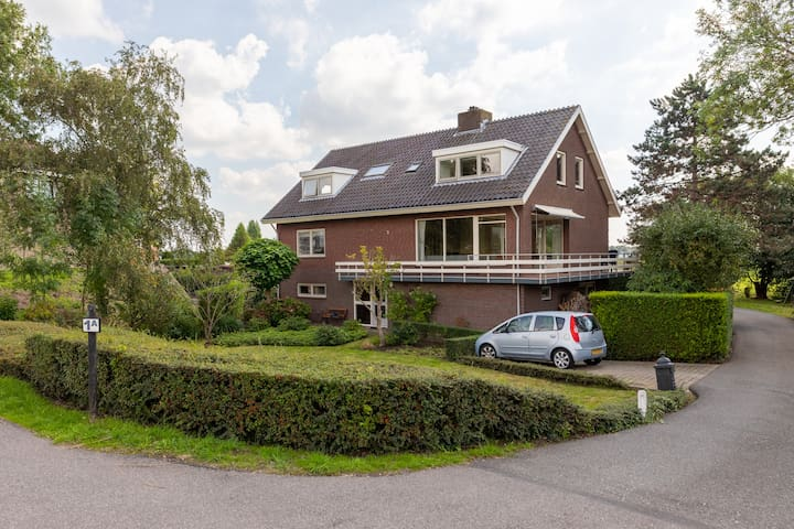 Large riverfront villa close to Amsterdam/Utrecht