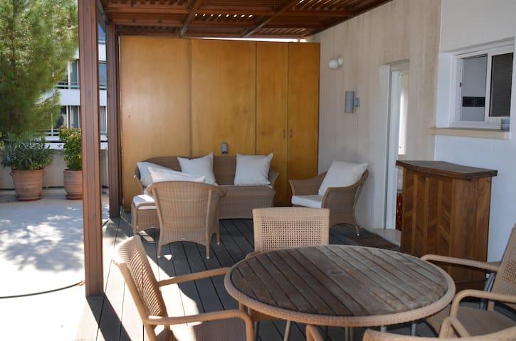 Nicosia city center, 3 bedrooms+85m2 terrace - Nikozja - Apartament