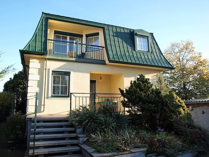 Charmantes Apartment mit Garten & Balkon nahe Wien