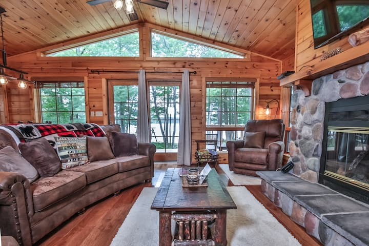 NEW LISTING! Stormy Pines - Hiller Vacation Homes