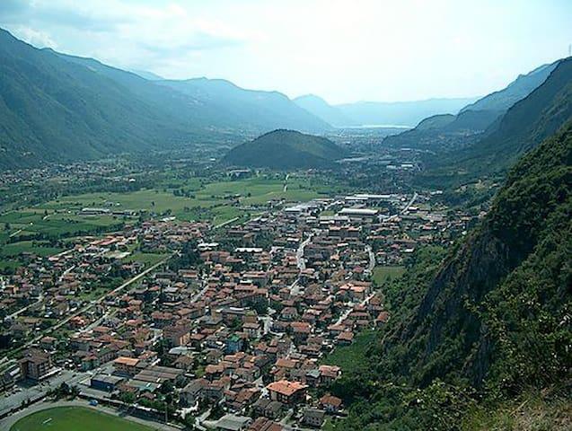Stanza doppia in Valle Camonica - Piamborno - Byt