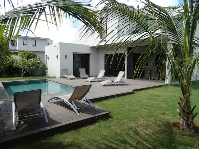 Grande villa neuve à 3min du lagon