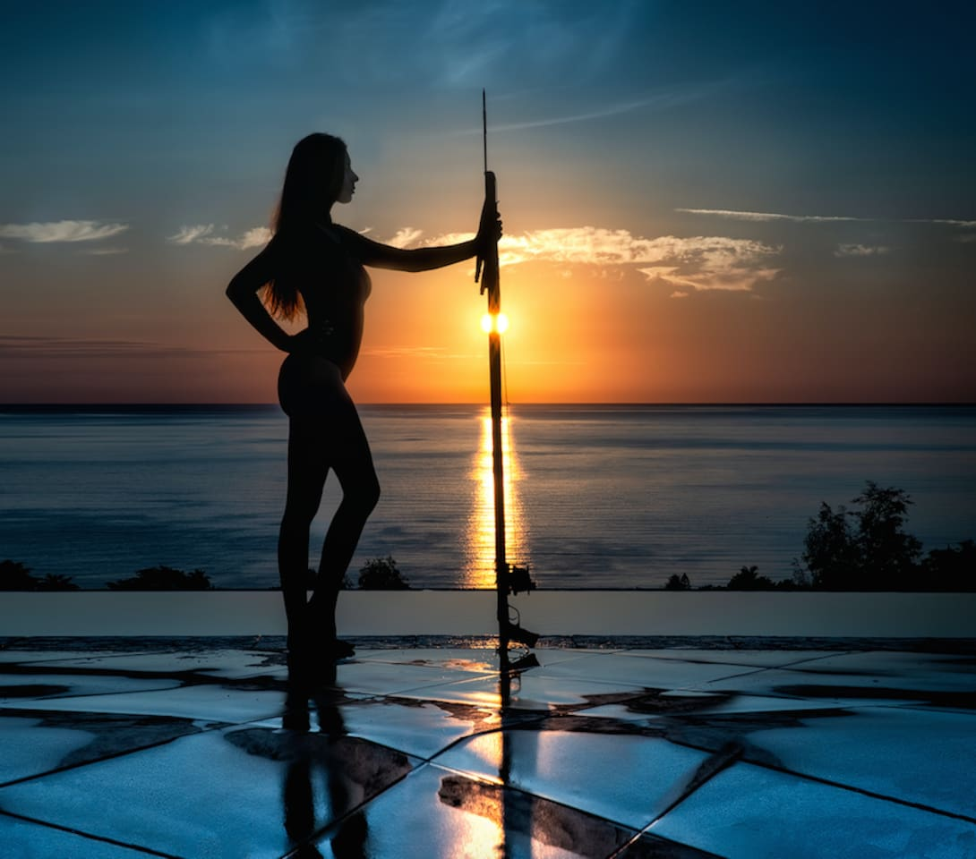 Organize your workshops (Valentine Thomas world Champion Spearfishing woman featured here). Yoga, Photography, meditation, you name it...