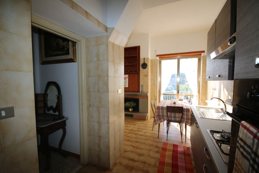 Beautifully fully equipped new kitchen, with built in fridge/freezer and wall oven.