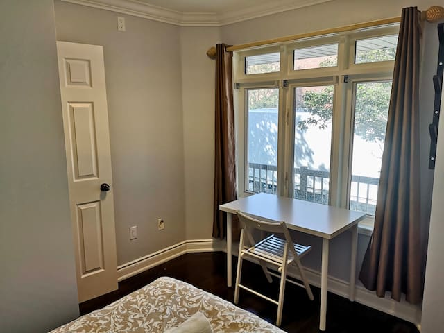 Cozy Unit With, Private Bathroom, Downtown Toronto