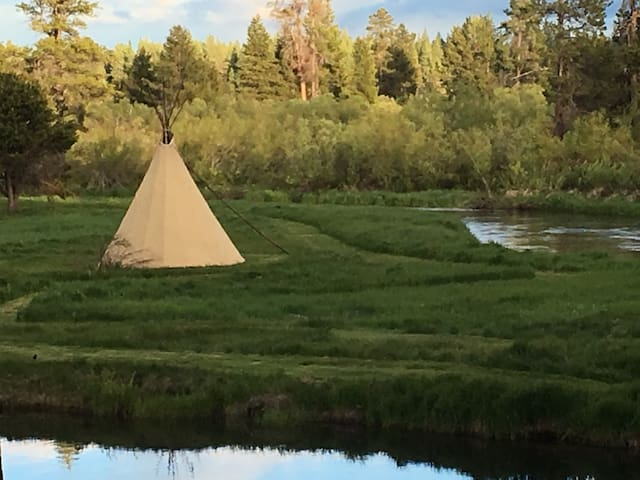 "River Front Tipi ""Glamping""! Stay in a REAL Tipi! - La Pine - Типи"