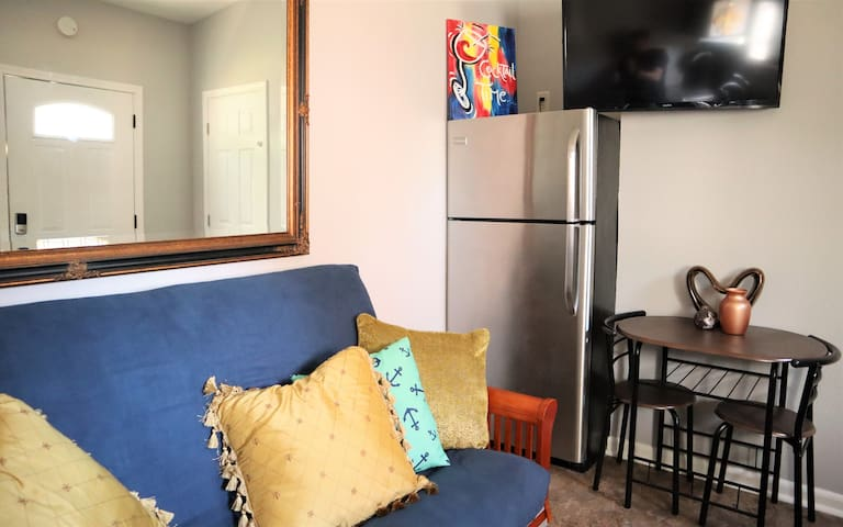 Cozy Bungalow Near Everything New Orleans Offers!