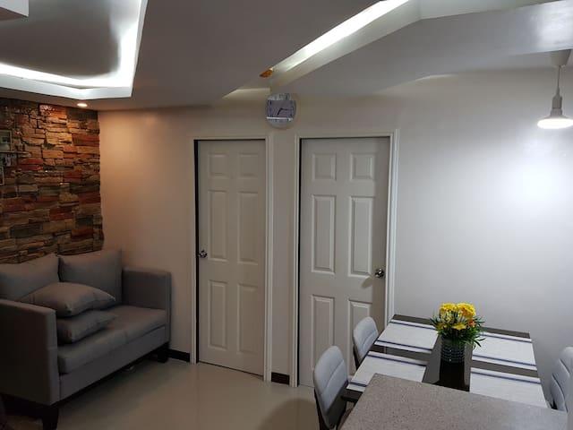 2bedroom condo near Ayala&SM w/ WIFI and NETFLIX