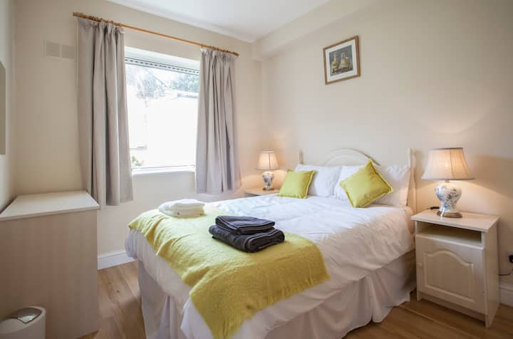 Galway Marine View 2 Bedroom Apartment in Salthill