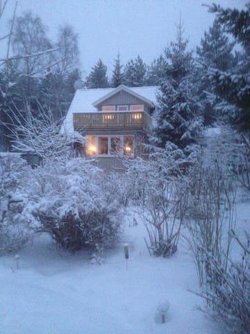 Wohnen in Natur m. Wald u. Seen - Ronneby - House