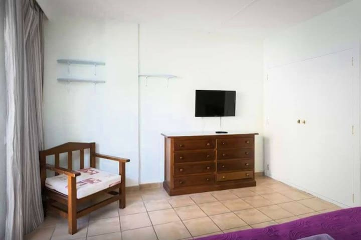 Nice Studio in Center of Playa de Las Americas!!! - Arona - Apartment